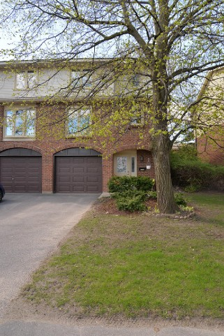 115 Wright Cres  33, Kingston Ontario, Canada