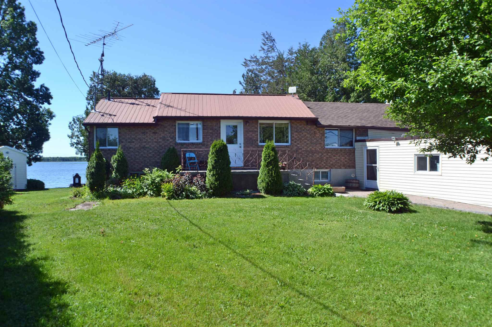 327 Red Cedar Point Road, Stone Mills Ontario, Canada