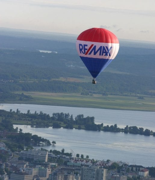 remax-balloon-pic